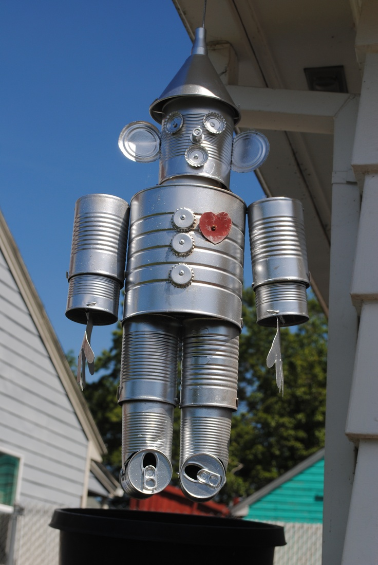 decoracao de jardim bonecos de lata:Tin Man Made of Tin Cans